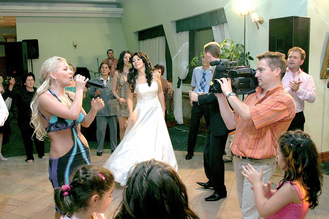 Заснемане на сватна с Деси Слава